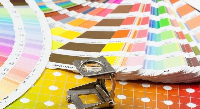 Colori Pantone standard cromatico che ispira il mondo