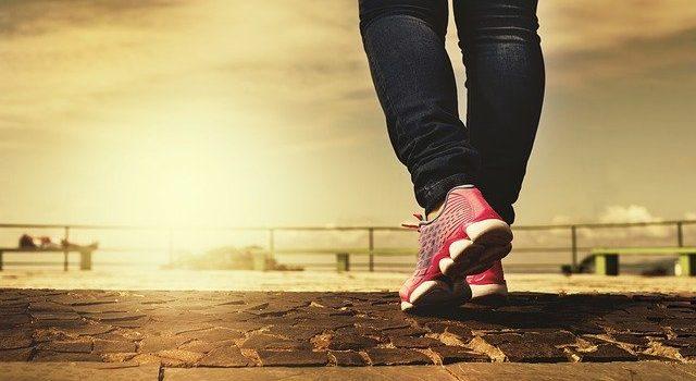 Come mantenersi in forma camminando