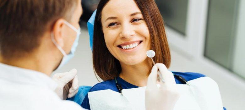 Terapia fotodinamica antimicrobica per il trattamento delle malattie parodontali